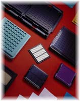Bare Die/CSP trays for handling and shipping microelectronic devices